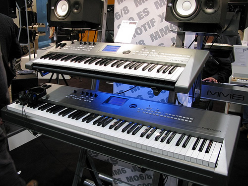Yamaha MM8 shown on bottom with the MM6